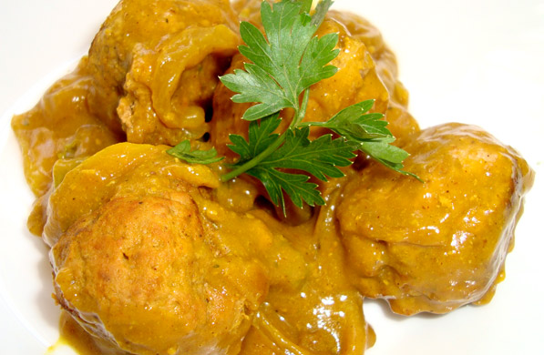 ALB�NDIGAS AL CURRY