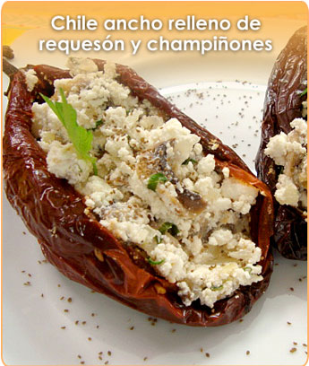 CHILE ANCHO RELLENO DE REQUES�N Y CHAMPI�ONES