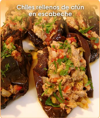 CHILES RELLENOS DE AT�N EN ESCABECHE