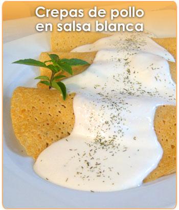 crepas de pollo en salsa blanca
