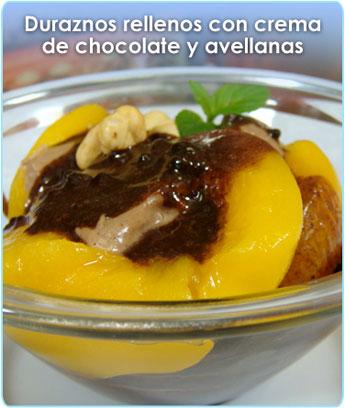 DURAZNOS RELLENOS CON CREMA DE CHOCOLATE Y AVELLANAS