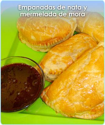 EMPANADAS DE NATA Y MERMELADA DE MORA