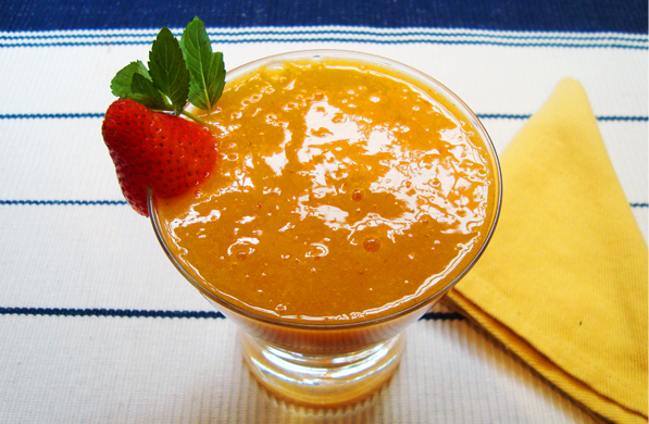 jugo de mango con fresas