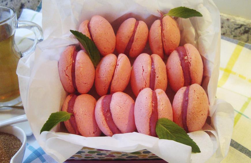 MACARRONES DE FRAMBUESA