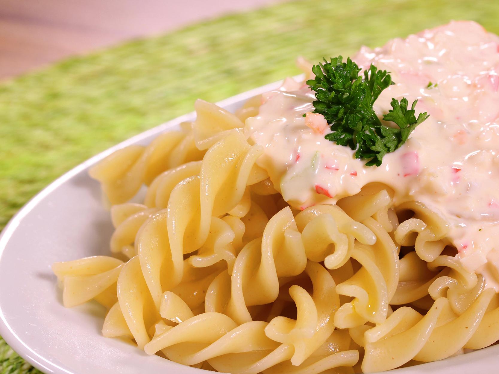 pasta fría con surimi