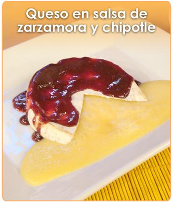 QUESO EN SALSA DE ZARZAMORA Y CHIPOTLE
