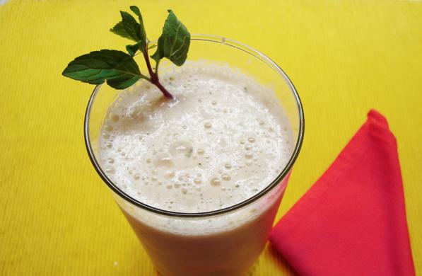 Receta para pteparar smoothie de melón y menta