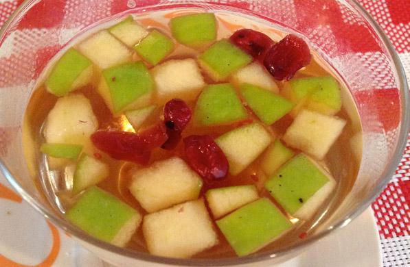 Receta para pteparar té de manzana con arándanos