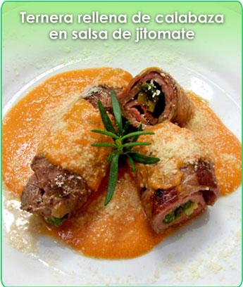 ternera rellena de calabaza en salsa de jitomate